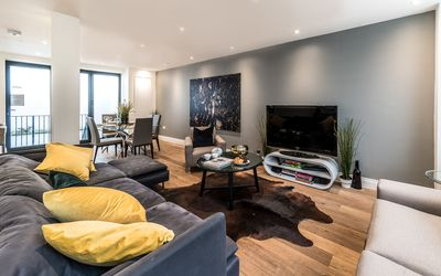 Photo for Boutique 3 Bed Duplex close to Kings Cross