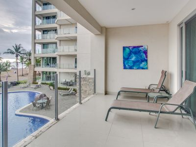 Photo for Enjoy oceanfront views, multiple shared pools, beach access and nearby town!