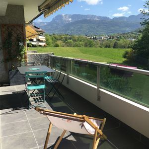 Photo for ** Charming apartment near lake, hyper-center Annecy-le-vieux.