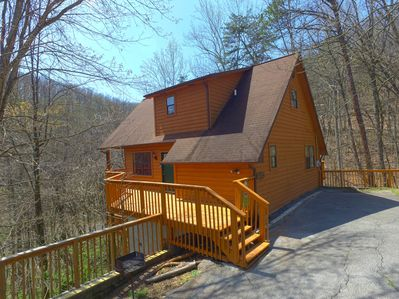 Beautiful Gatlinburg cabin - Wonderful setting just one mile from Gatlinburg Arts & craft community and four miles to Downtown