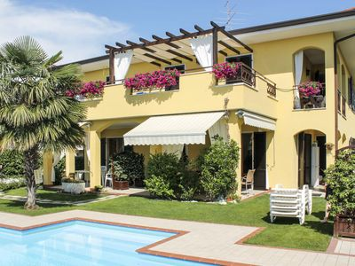 Photo for Apartment Residence Argentina (LAZ143) in Lazise - 4 persons, 2 bedrooms