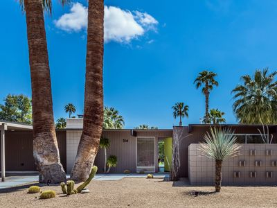Photo for Mid Century Luxury 4 bedroom/3 bath/Pool/Spa/Views/Central Palm Springs