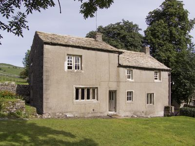 Photo for TOWN HEAD FARM, family friendly, with a garden in Malham, Ref 4291