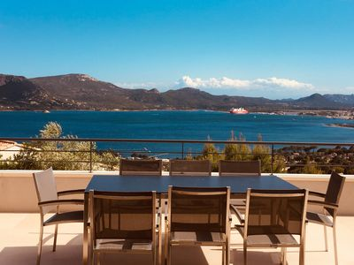 Photo for Superb vill in Porto Vecchio with sea view, AC, heated pool and beach access.