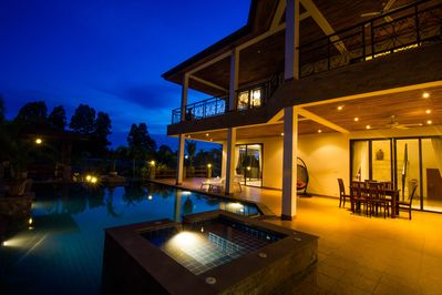 5 Bed/6 bath Luxury Pool Villa !!