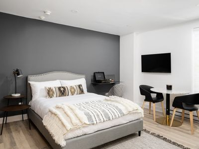 Photo for Stylish 1 Bedroom ready for qurantine