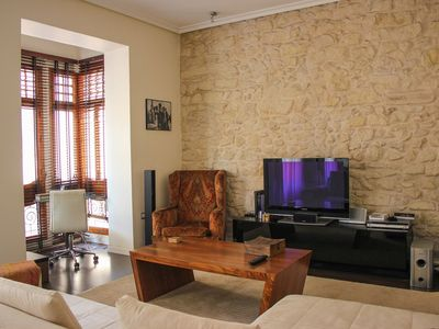 Photo for One bedroom Apartment, sleeps 2 with FREE WiFi and Walk to Beach & Shops
