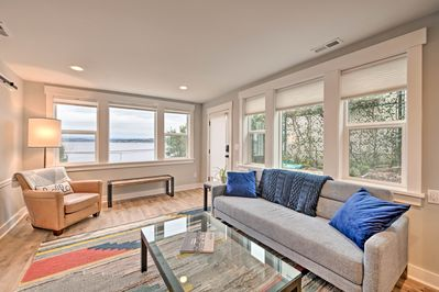 This vacation rental offers Lake Washington views from the living room.