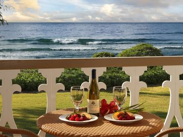 Stunning Oceanfront View Studio Air Conditioning NEWLY DECORATED!  Kauai Calls!