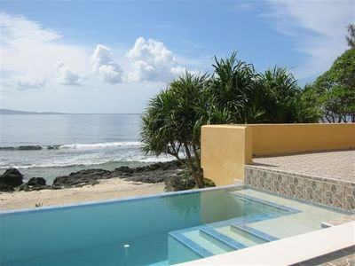 Fantastic Infinity Pool and paradise views for your sole use