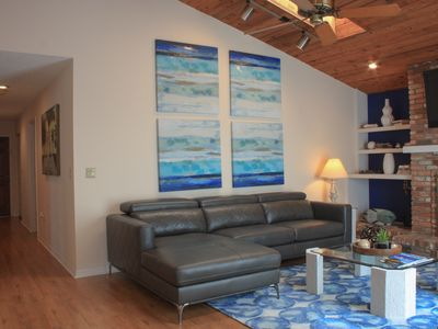 Photo for Beautiful Apartment with Ocean Views, Includes beach towels and chairs!