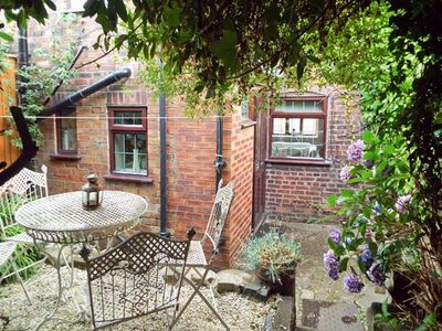 Photo for 9 OVERTON BANK, family friendly, with a garden in Leek , Ref 4032
