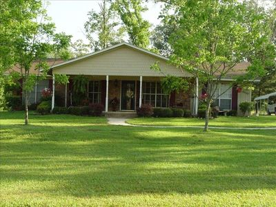 Shady Pines Retreat - Next to Crater of Diamonds State Park. Private 7 acre pond