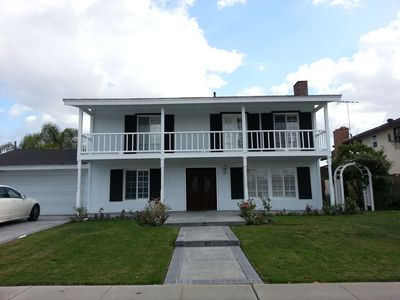 Photo for 5BR, 3Bath. Luxurious House, 3200 Sq Ft, 5 minutes to disney, great neighborhood
