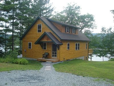 Newly built lake cottage with easy access.