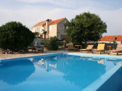 Photo for Family friendly house with a swimming pool Humac (Hvar) - 3170