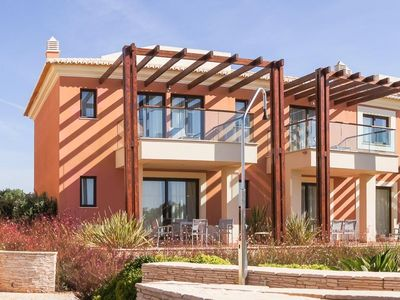 Photo for 2 bedroom Villa, sleeps 4 with FREE WiFi and Walk to Shops