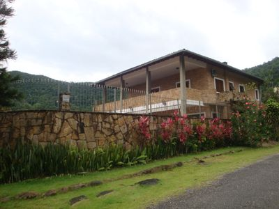Photo for Imposing House, Pool with Hydro, 5Q (3 with A / C), 6 bathrooms, barbecue.