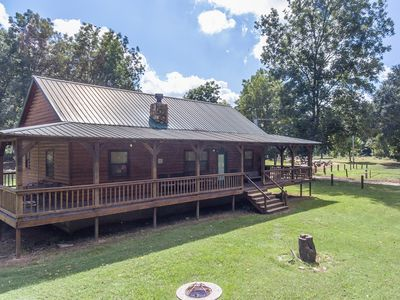 Photo for 2 Bed/2 Bath Cabin next to Lower Mountain Fork River