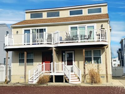 Photo for The 2nd Floor has the great room with a deck that has sun all day!