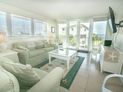 Photo for Huge Balcony w/Beautiful Views of Bay, Great Beach Access, Sep Dates Available