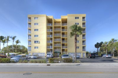 Vacation Villa building from the road at 100 Estero Blvd, Fort Myers Beach