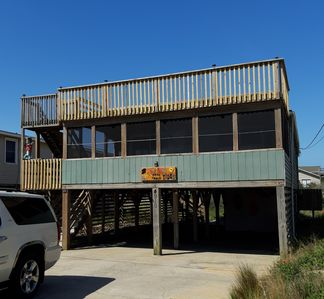 Photo for Family & Pet Friendly Cottage, Beach View, Screen Porch