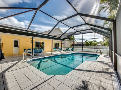 Photo for Relaxing vacation in a perfect location in SW Cape Coral