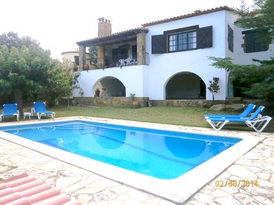 Photo for House with garden and pool in quiet area. Perfect for families.