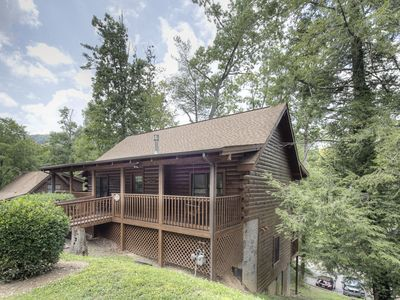 ER 223 – Young's Hideaway  Great Location – Close to town!