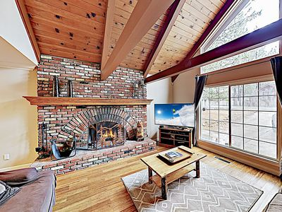 Chalet w/ Hot Tub & Game Room - Near Skiing & Dining, Walk to Lake