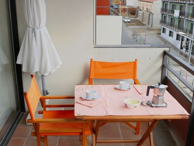 Photo for Nice apartment for six people with TV, balcony and parking