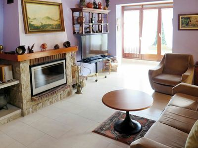 Photo for Cosy apartment for 6 guests with TV, balcony, pets allowed and parking