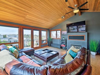 Photo for NEW! Water-View Queen Anne Home, 2Mi to DT Seattle