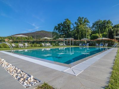 Photo for Chiaro AD - groundfloor apartment with pool, wifi, aircon. Lucca countryside