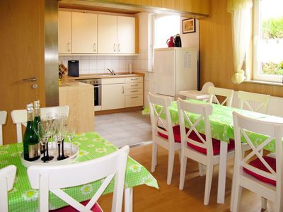 Photo for Lovely apartment for 12 people with WIFI, TV, pets allowed and parking
