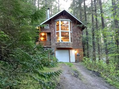 Photo for Snowline Cabin #25 A country-style pet friendly cabin with a hot tub and wifi!