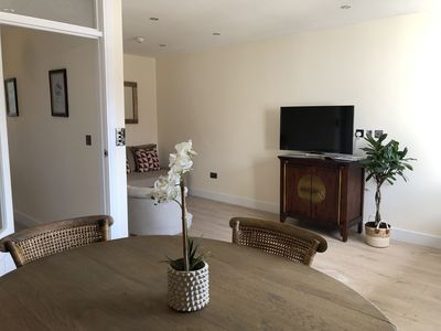 Photo for Beautiful 2 bedroom flat in forest row