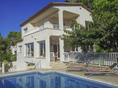 Photo for Lovely and Sunny Villa near the Beach, with Outstanding Sea Views