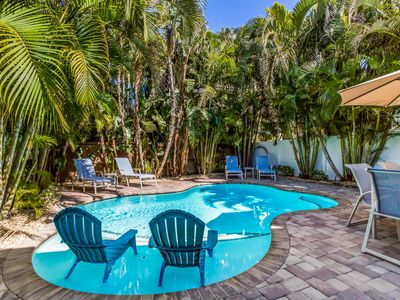 Addison's Beach House: 3 Bed w/Private Heated Pool! Steps to Beach and Trolley!
