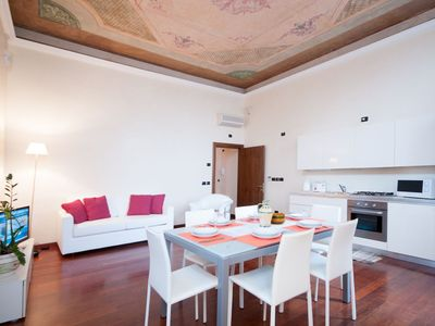 Photo for LUXURIOUS VENETIAN APARTMENT WITH FRESCOED CEILINGS, FREE WIFI LINE