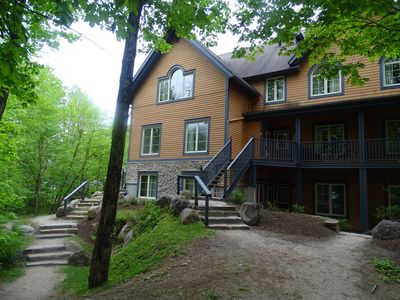 Photo for Cozy 2+2 condo for cpls/fams at foot of Tremblant, free-shttle+prk, trails+pools