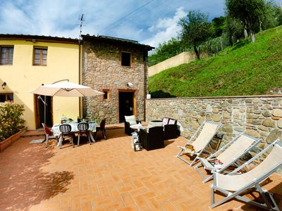 Photo for Apartment in villa with pool, internet, A/C, TV, terrace, panoramic view, parking, close to Lucca