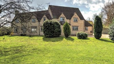 Photo for 4BR House Vacation Rental in Cirencester, England