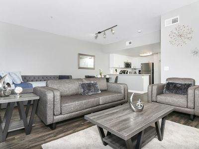 Photo for SD Deluxe Suite 1br/1ba near DOWNTOWN / GASLAMP W/  WIFI PARKING