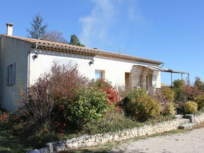 Photo for Beautiful villa with pool in the heart of Provence