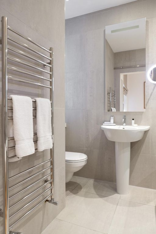 Harley House - luxury 4 bedrooms serviced apartment - Travel Keys