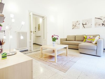 Photo for Rome, very close to the historic center, spacious and modern apartment for 7