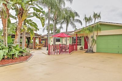 Let this Jensen Beach vacation rental home serve as your ultimate tropical oasis!