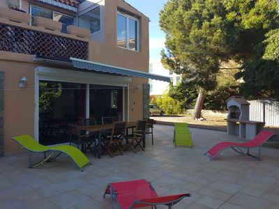 Photo for Beautiful room, private entrance, villa Port-Fréjus